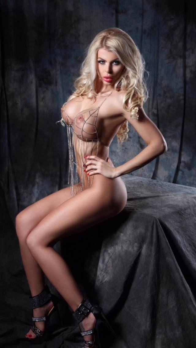 Lela Ceterova: ultimate barbie doll